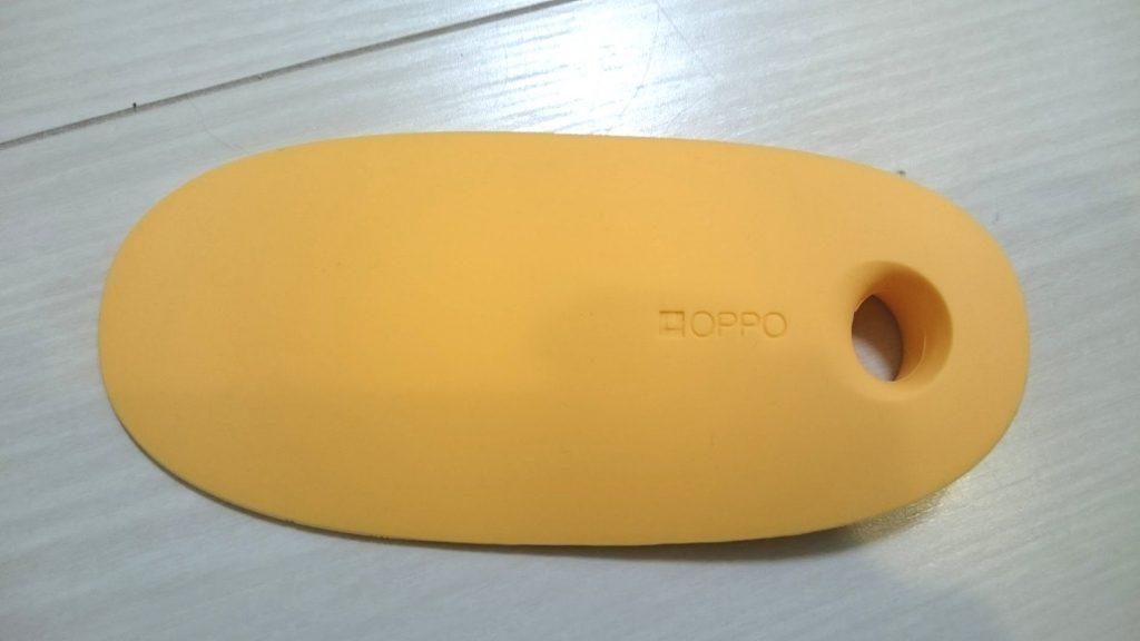OPPO スライドロックはこんな形。カラーバリエーションがありますが、オレンジを買いました。