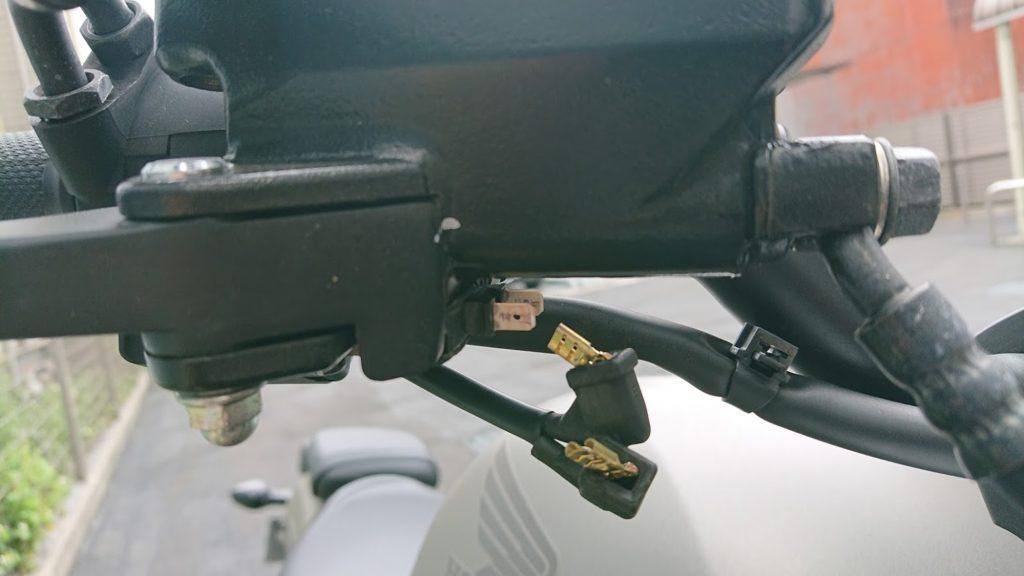 レブル250のブレーキレバー側のカプラー。