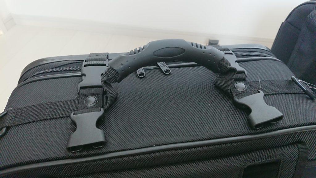 TANAX「ツアーシェルケース2」の上面には取っ手付き。