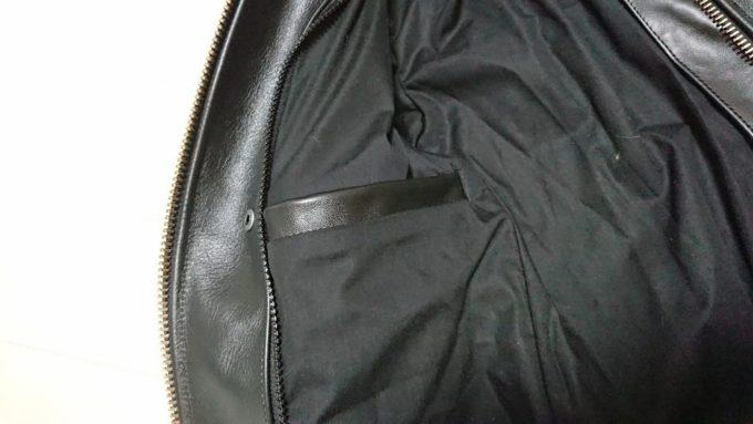 Vanson「b」の内ポケット。