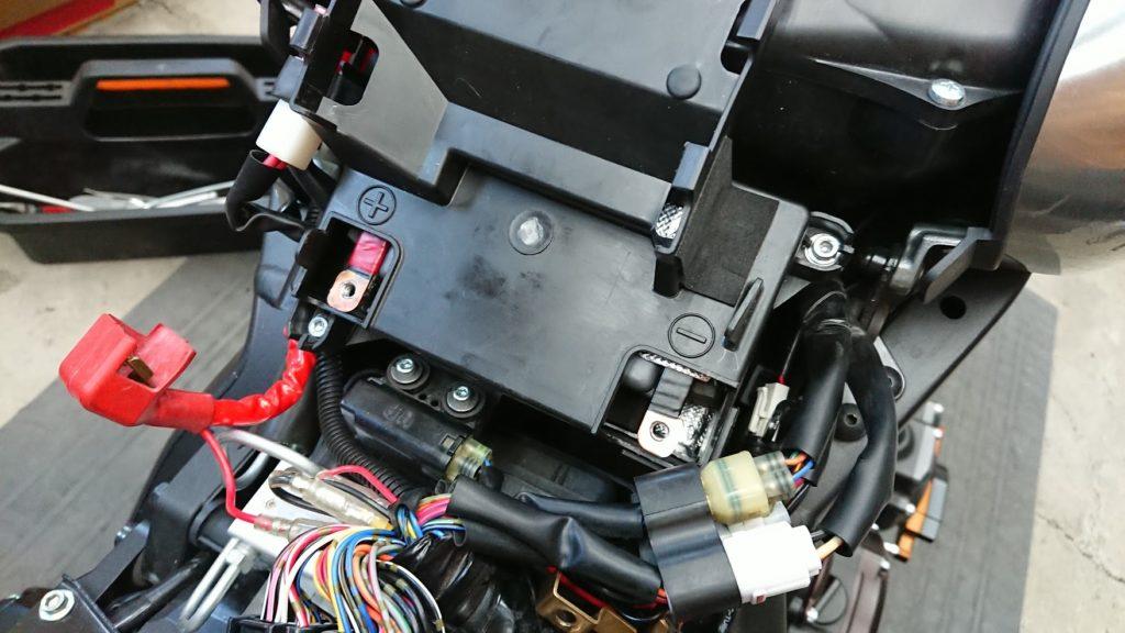 Eliiy Power「HY110」+銅板にバッテリーカバーをセット。