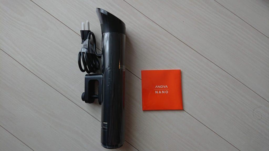 Anova Nanoの本体&付属品。