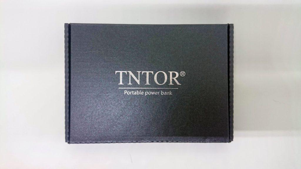 TNTOR「モバイルバッテリーWT-H330」のパッケージ表面。