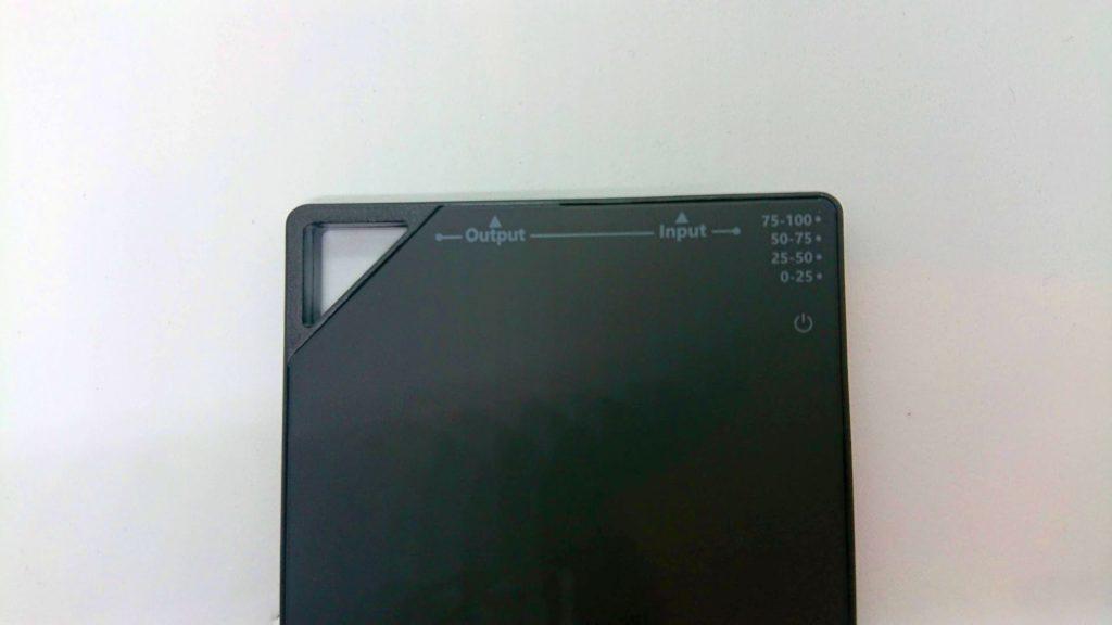 TNTOR「モバイルバッテリーWT-H330」のハンギングフック。