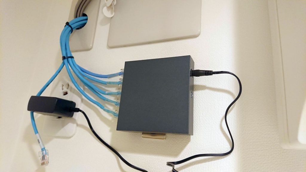 TP-Link「TL-SG505」に交換。