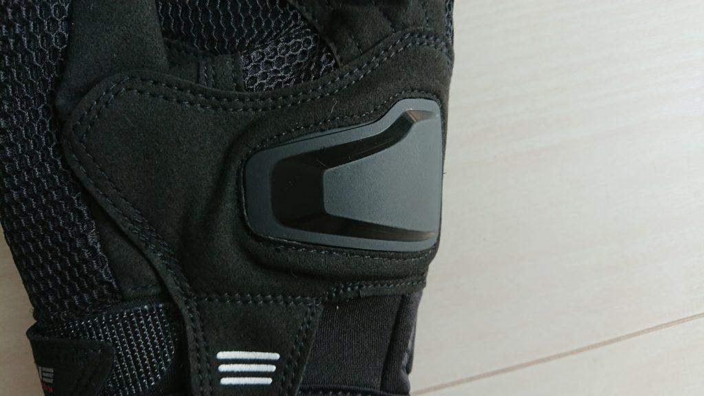 コミネ「GK-194プロテクトメッシュグローブ」の手の平のスライダー。